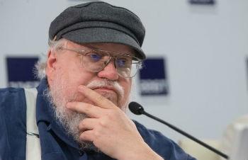Автор Игры Престолов на пресс-конференции в Питере не говорил о политике